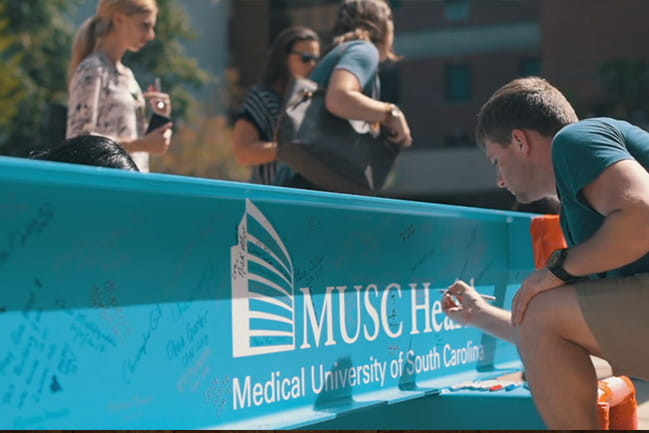 Patients and family, employees and friends of MUSC to sign the final beam